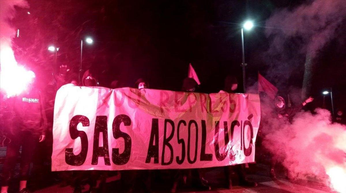 Manifestación en apoyo del independentista Adrià Sas, en Vilafranca del Penedès.