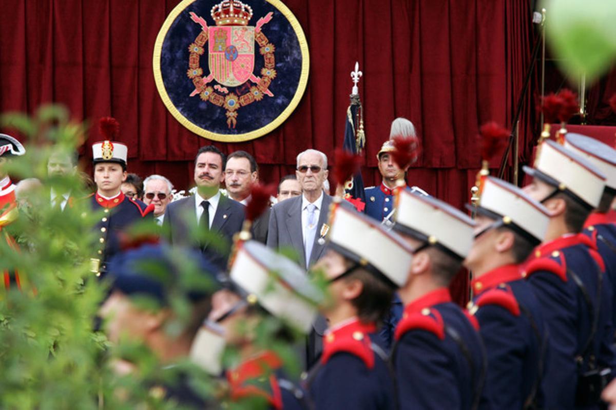 Desfile militar celebrado en la Plaza de Colón de Madrid con motivo del Día de las Fuerzas Armadas, en el 2004.