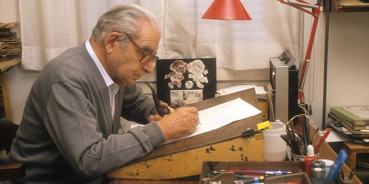 El popular dibujante de Bruguera Josep Escobar, en su estudio, en una imagen de archivo.
