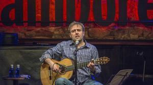Roger Mas, que actúa este viernes en la Fira Mediterrània, en un concierto la primavera pasada.