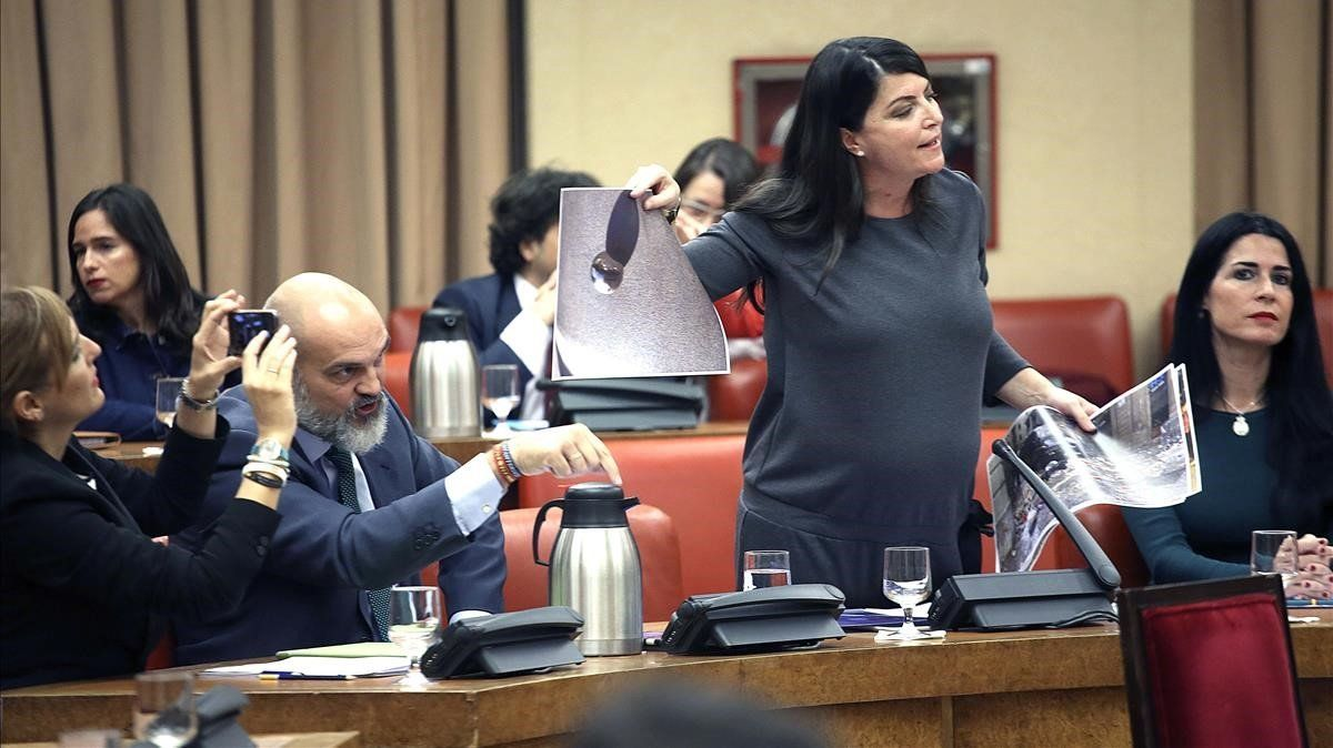 La secretaria general del grupo parlamentario Vox, Macarena Olona