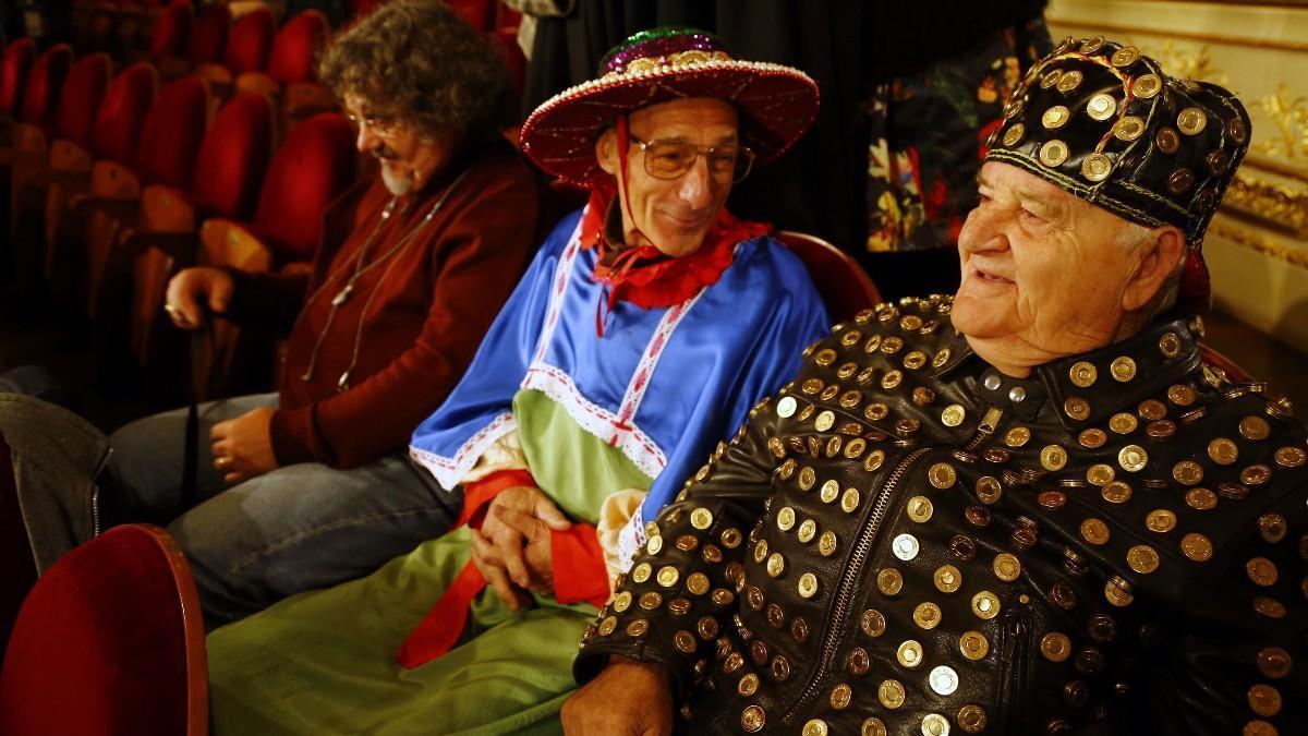 Público de otros años en el sorteo de la Lotería de Navidad