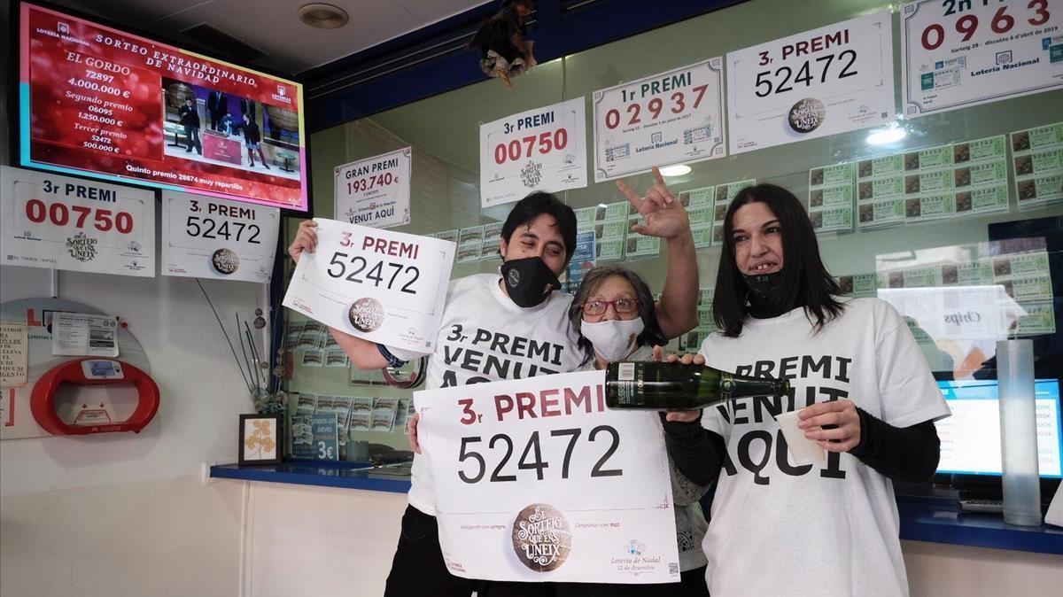 La administración El Trébol, de Ripoll, reparte un tercer premio con el número 52472.