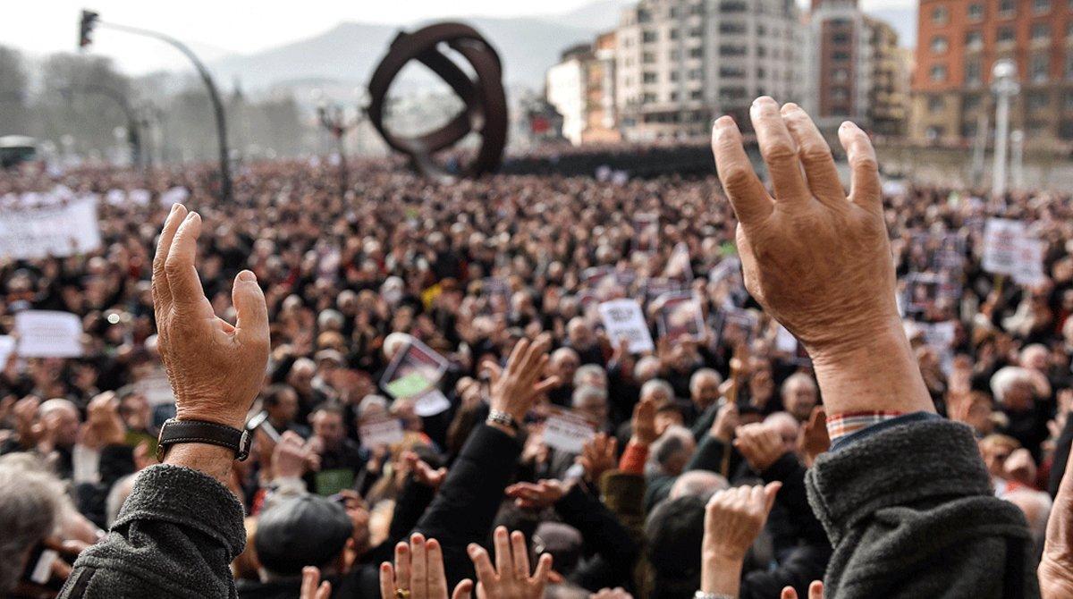 Manifestación de pensionistasen el centro de Bilbaopara exigir unas pensiones dignas, en febrero del 2018.