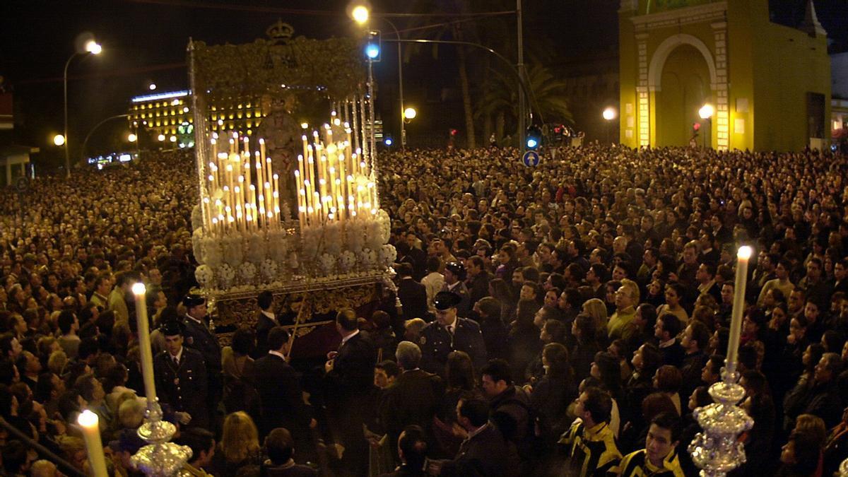Procesión de la Macarena en Sevilla.