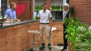 Jordi en su entrada en el restaurante de 'First Dates'