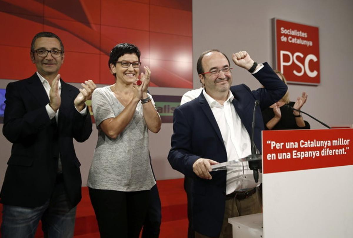El candidato del PSC, Miquel Iceta, durante su valoración de los resultados electorales.