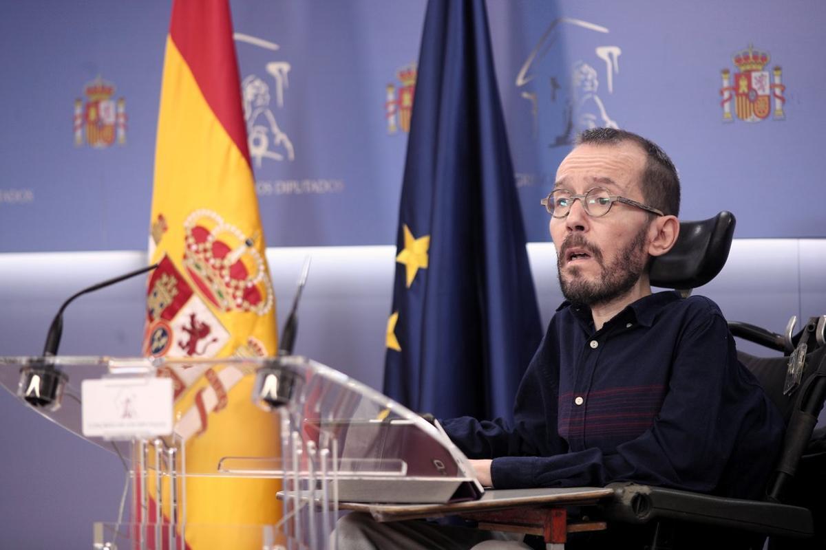El portavoz de Unidas Podemos en el Congreso, Pablo Echenique, en ruda de prensa tras la Junta de Portavoces del Congreso de los Diputados, en Madrid (España), a 15 de enero de 2020.