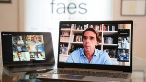 Aznar ataca Sánchez i els seus socis «excèntrics»