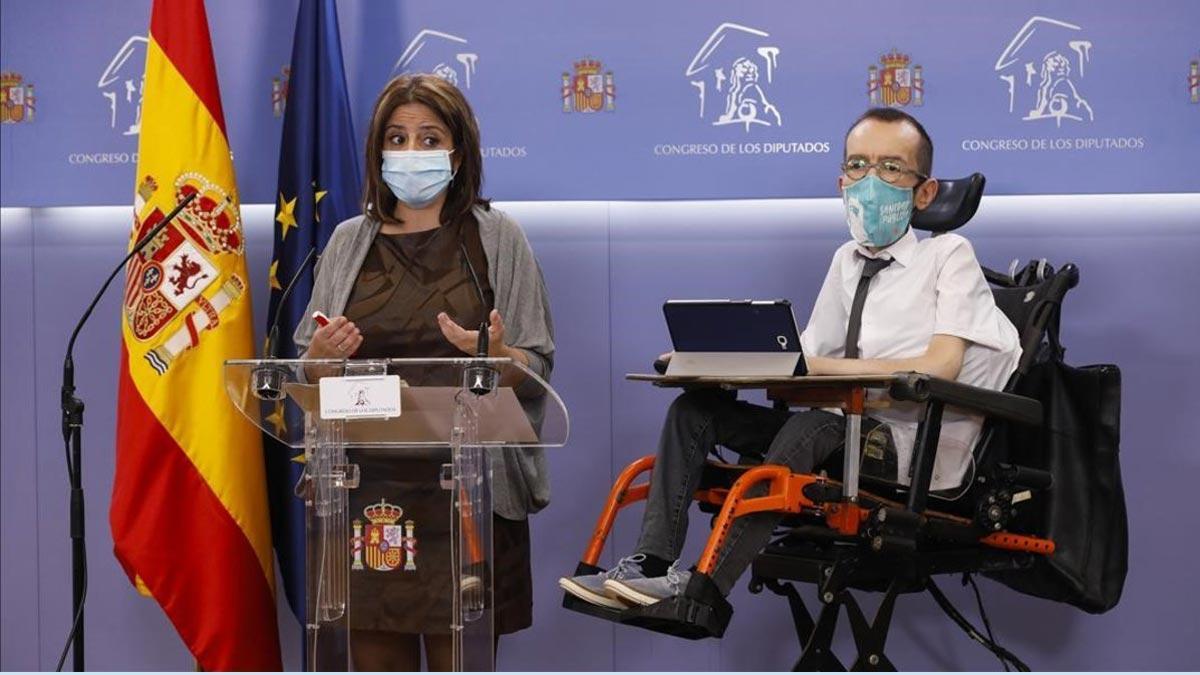 PSOE y Podemos registran una ley para limitar al CGPJ en periodo de funciones. En la foto, la portavoz del PSOE en el Congreso, Adriana Lastra, y su homólogo en Unidas Podemos, Pablo Echenique.