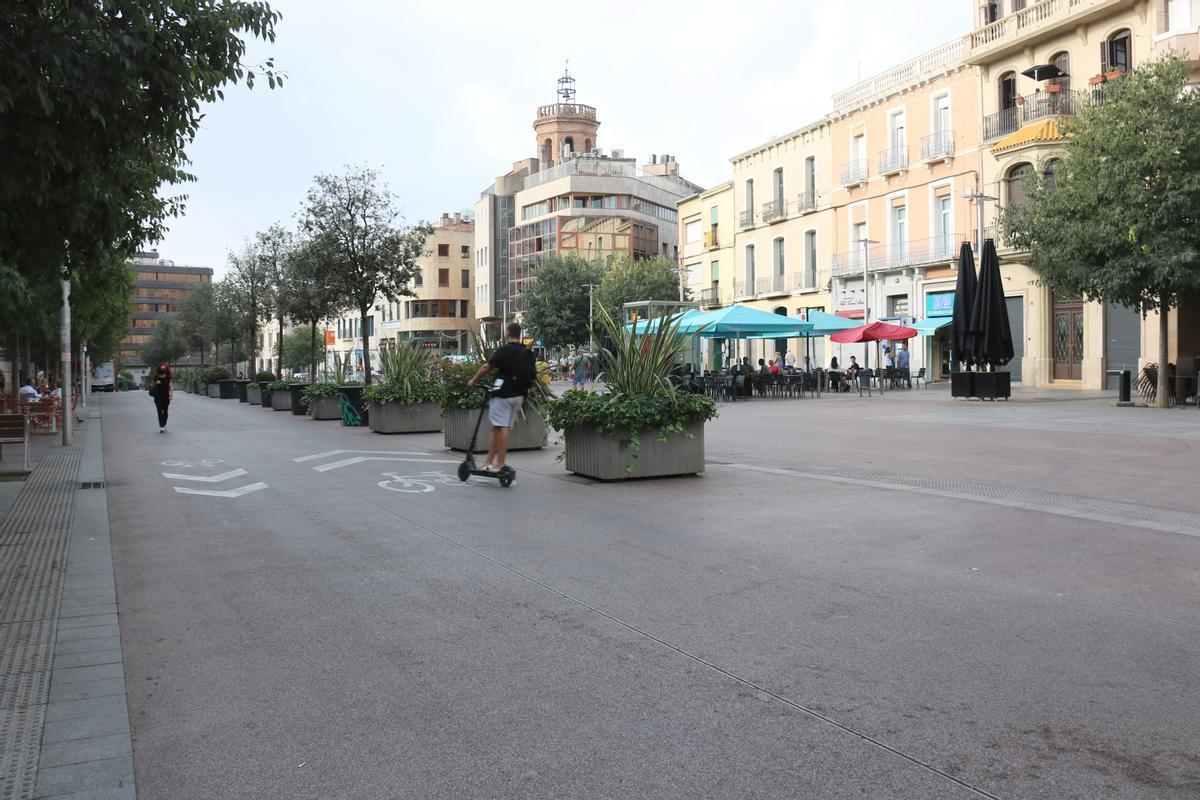 Paseo de la Pl. Major de Sabadell, donde se abrirá el futuro aparcamiento subterráneo del centro