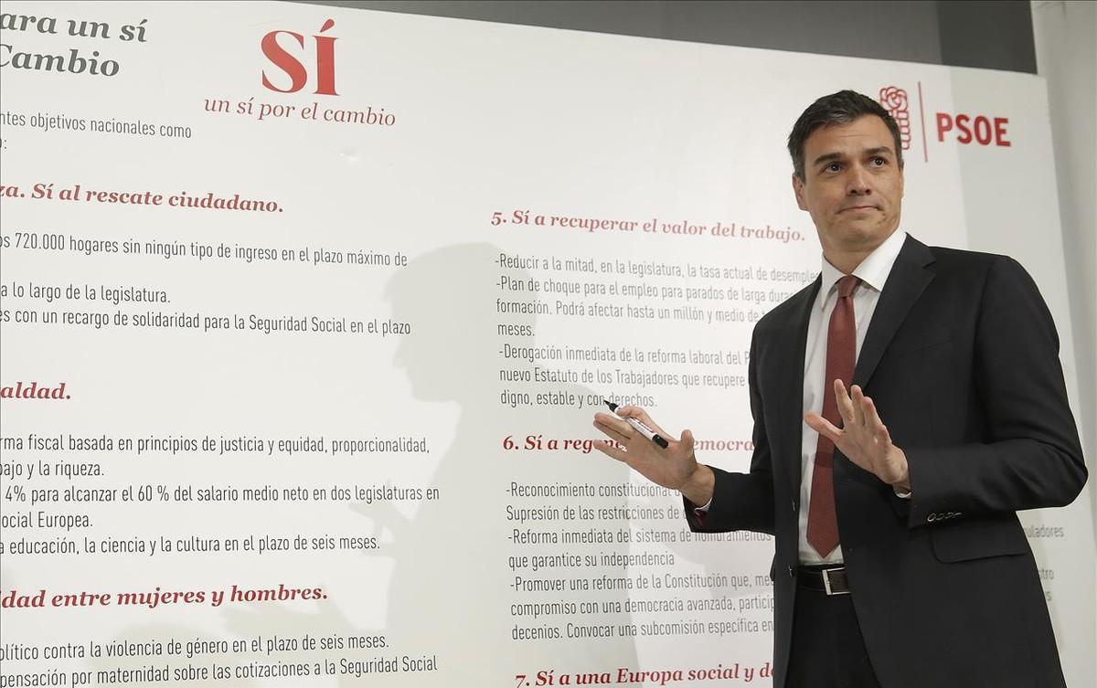 El secretario general del PSOE, Pedro Sánchez, en la presentación de algunas de sus medidas estrella