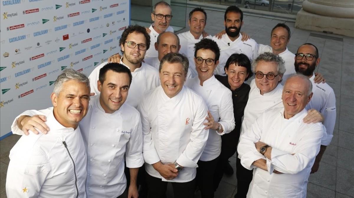 Los cocineros participantes en el Sopar de l'Any.