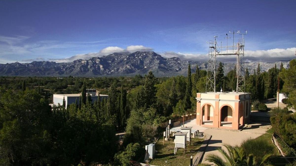 Vista general del Observatori de l'Ebre, situado en la localidad tarraconense de Roquetes (Baix Ebre).