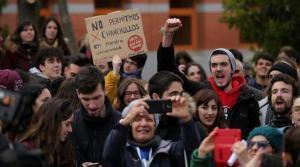 Protesta de los alumnos de la Universidad Rey Juan Carlos, afectada por los escándalos de los masters, la pasada primavera.