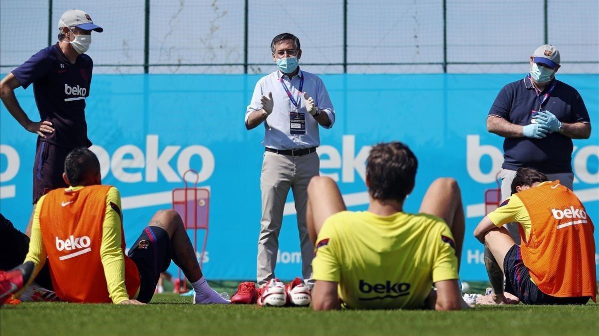 Bartomeu pidió otro esfuerzo económico a la plantilla cuando la visitó, el pasado 23 de mayo, en la Ciudad Deportiva Joan Gamper.
