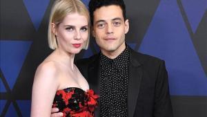 Rami Malek y Lucy Boynton: pareja de estreno (y promoción)