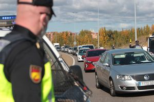 Control policial enLeón, esta semana, para supervisar el cumplimiento de las restricciones a la movilidad.