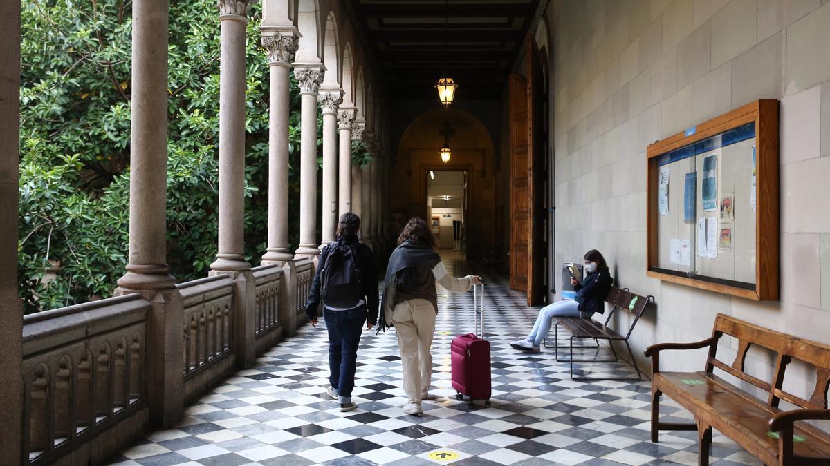 Edificio histórico de la Universitat de Barcelona.