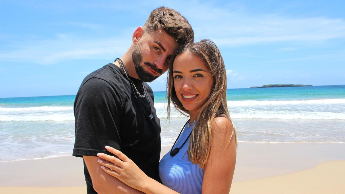 Lucía e Isaac, pareja surgida de 'La isla de las tentaciones' que participa ahora en 'La última tentación'.