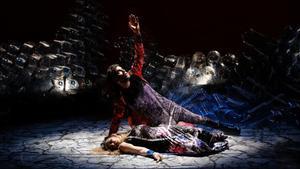 Un momento de la representación de 'Le siège' de Corinthe', de La Fura dels Baus.