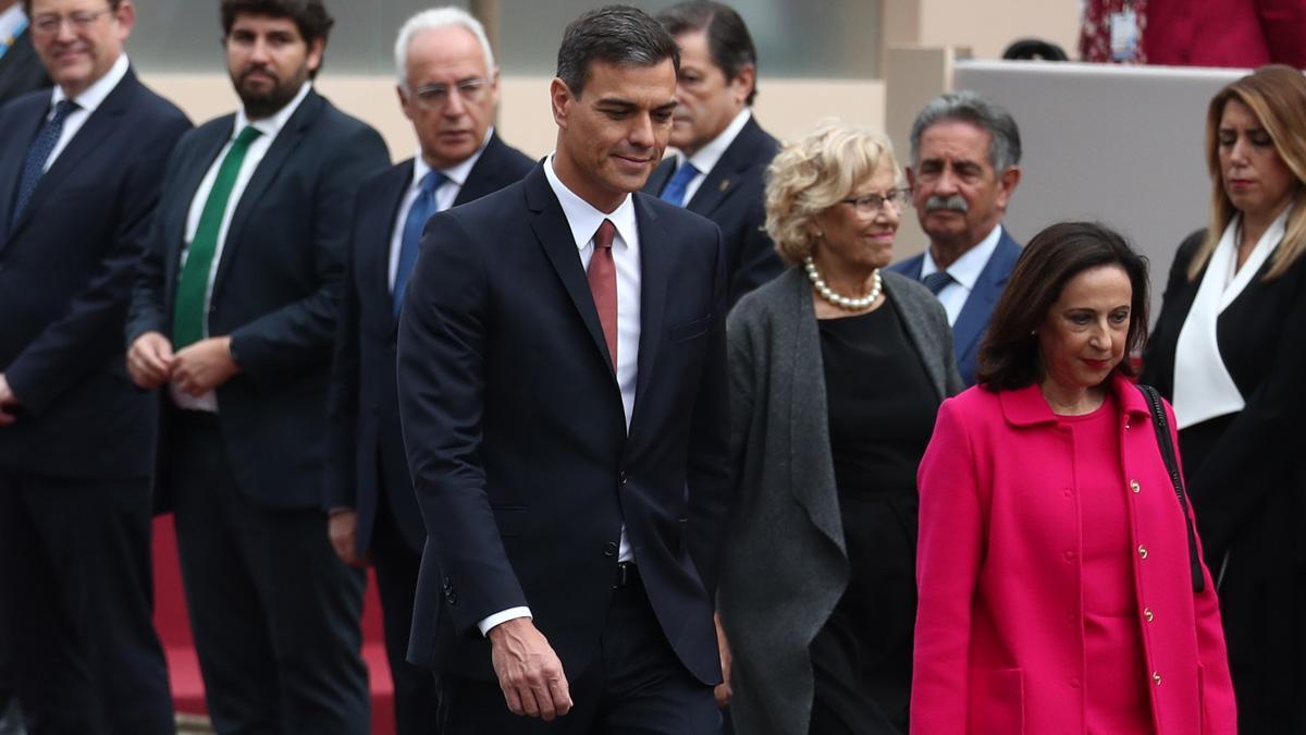 VÍDEO   Esbroncades a Sánchez en la desfilada del 12 d'Octubre