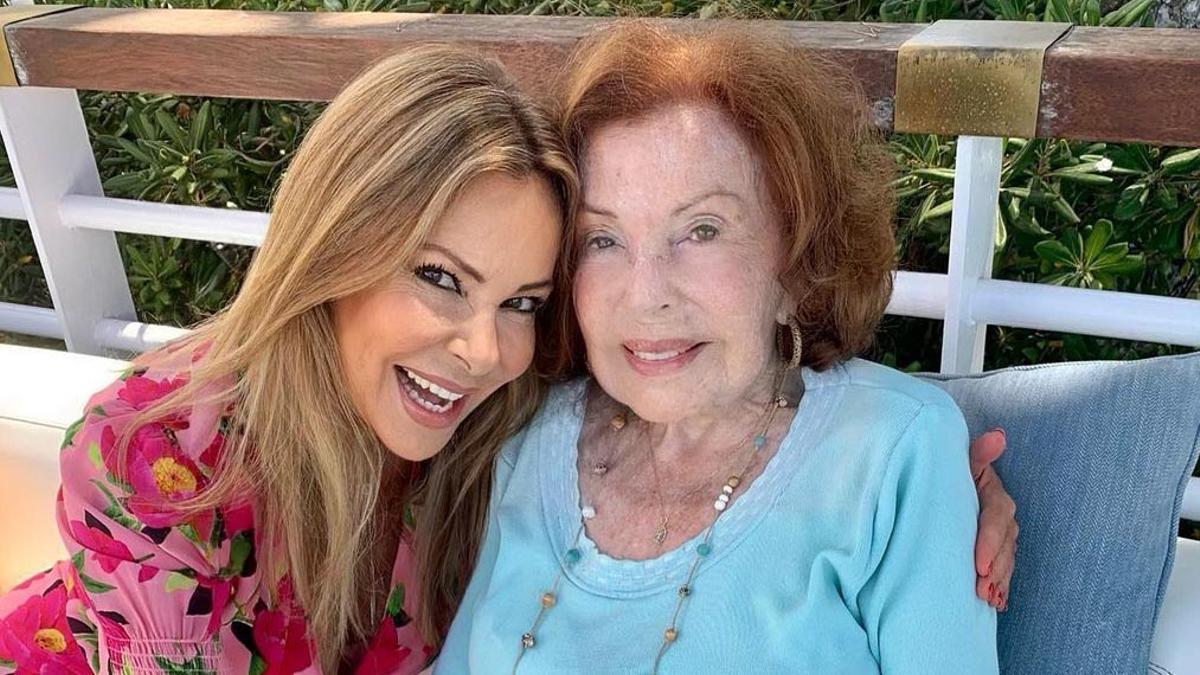 Ana Obregón felicita a su madre en el día de su santo