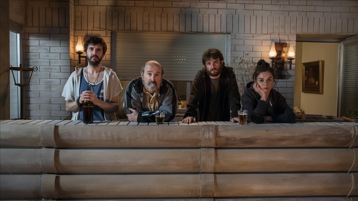 Julián López, Javier Cámara, Gorka Otxoa y Miren Ibarguren, en 'Fe de etarras'.