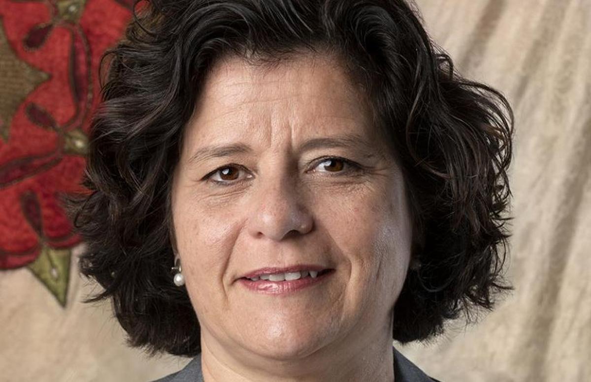 Montserrat Vilella, nueva secretaria general de autonomía personal, en un retrato del Ayuntamiento de Reus.