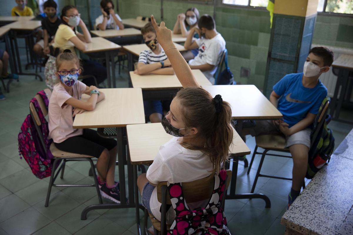 Alumnos catalanes en la vuelta a las aulas tras el verano del 2020.