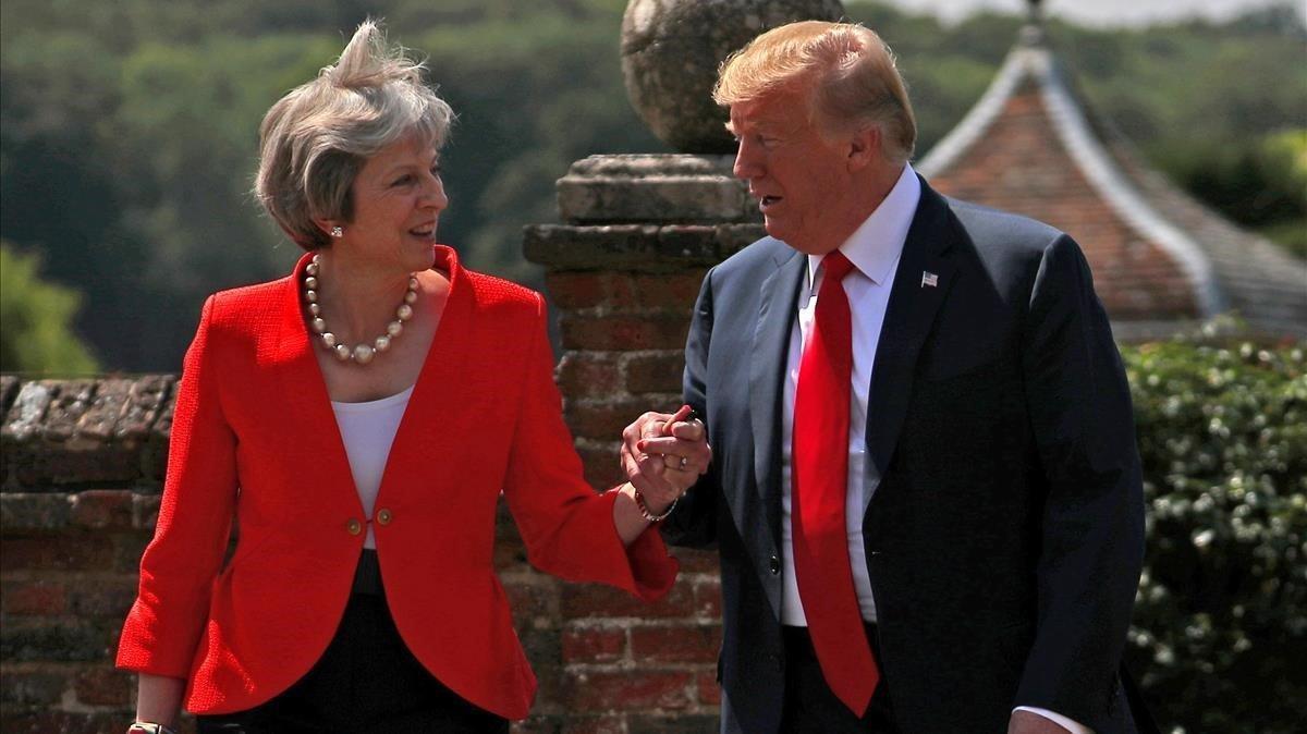 Theresa May y Donald Trump, durante la visita que el estadounidense realizó en el 2018.