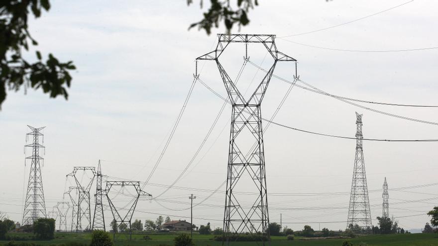 Fallecen al menos seis personas al caer una torre eléctrica en Brasil