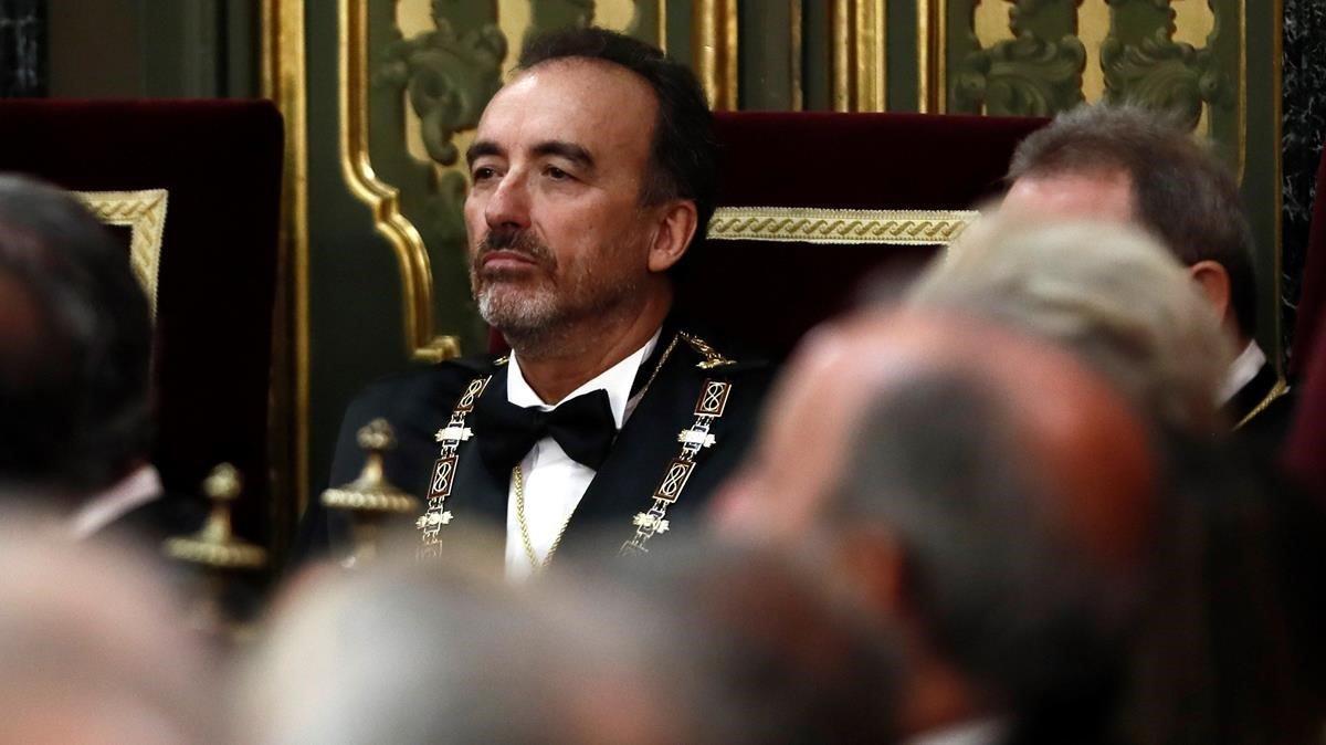 Manuel Marchena, entreun mar de cabezas durante la apertura del año judicial.