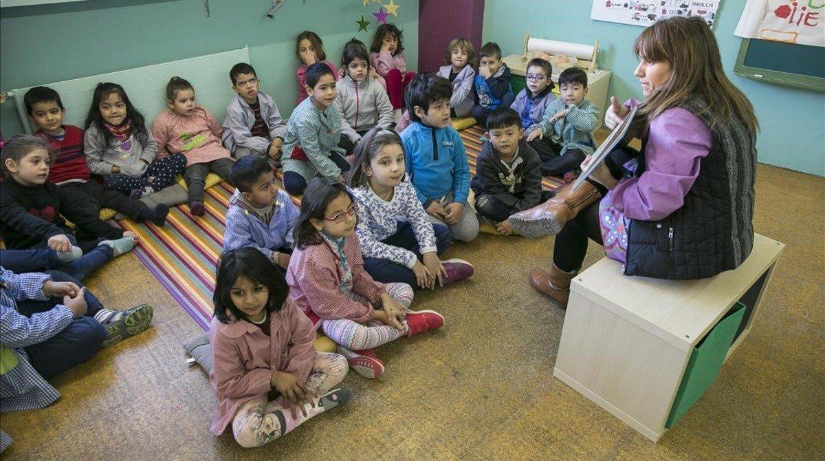 Alumnos de la escuela Rambleta del Clot, que este curso hainiciado el giro hacia la educación innovadora.