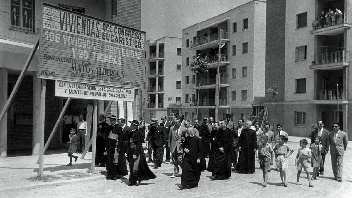 Visita del Cardenal Antoniutti a las obras de las Viviendas del Congrés Eucarístic (VCE), en 1956