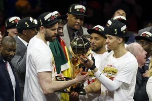 OAKLAND, CALIFORNIA - JUNE 13: Marc Gasol #33 and Danny Green #14 of the Toronto Raptors celebrate with the Larry O'Brien Championship Trophy after his team defeated the Golden State Warriors to win Game Six of the 2019 NBA Finals at ORACLE Arena on June 13, 2019 in Oakland, California. NOTE TO USER: User expressly acknowledges and agrees that, by downloading and or using this photograph, User is consenting to the terms and conditions of the Getty Images License Agreement.   Lachlan Cunningham/Getty Images/AFP