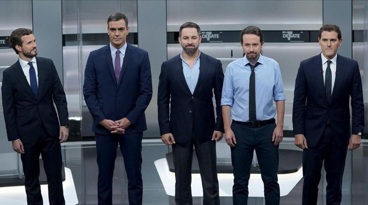 Los cinco candidatos,al inicio del debate electoral.