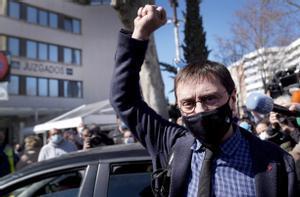 Juan Carlos Monedero llega a declarar a los juzgados de plaza Castilla, en Madrid.