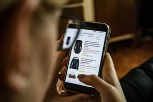 Uno de cada dos jóvenes españoles controla su consumo vía app