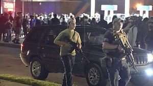 Durante la tercera noche de protestas, un miliciano de 17 años abrió fuego contra los manifestantes, matando a dos y dejando a otro herido.