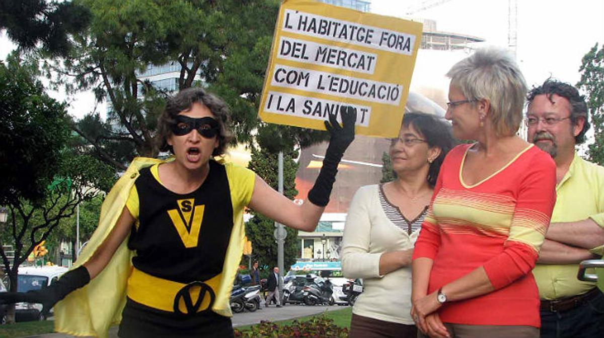 El primer mitin de Ada Colau fue un escrache a un acto de campaña de Imma Mayol, en las muncipales del 2007.