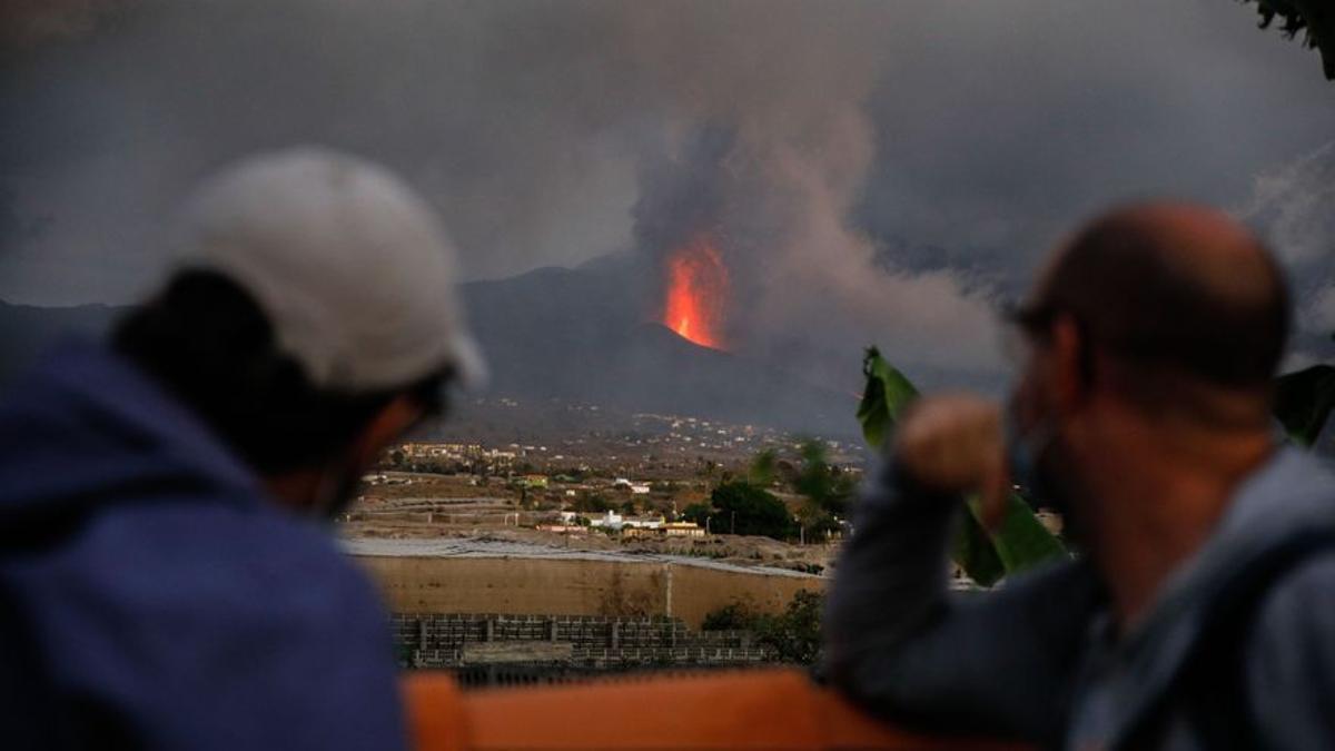"""Garamendi: """"La recuperación turística de Canarias se ha ensombrecido por el volcán de La Palma"""""""