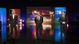 Font, Laporta y Freixa, antes de empezar el debate en TV-3, el último de la campaña.