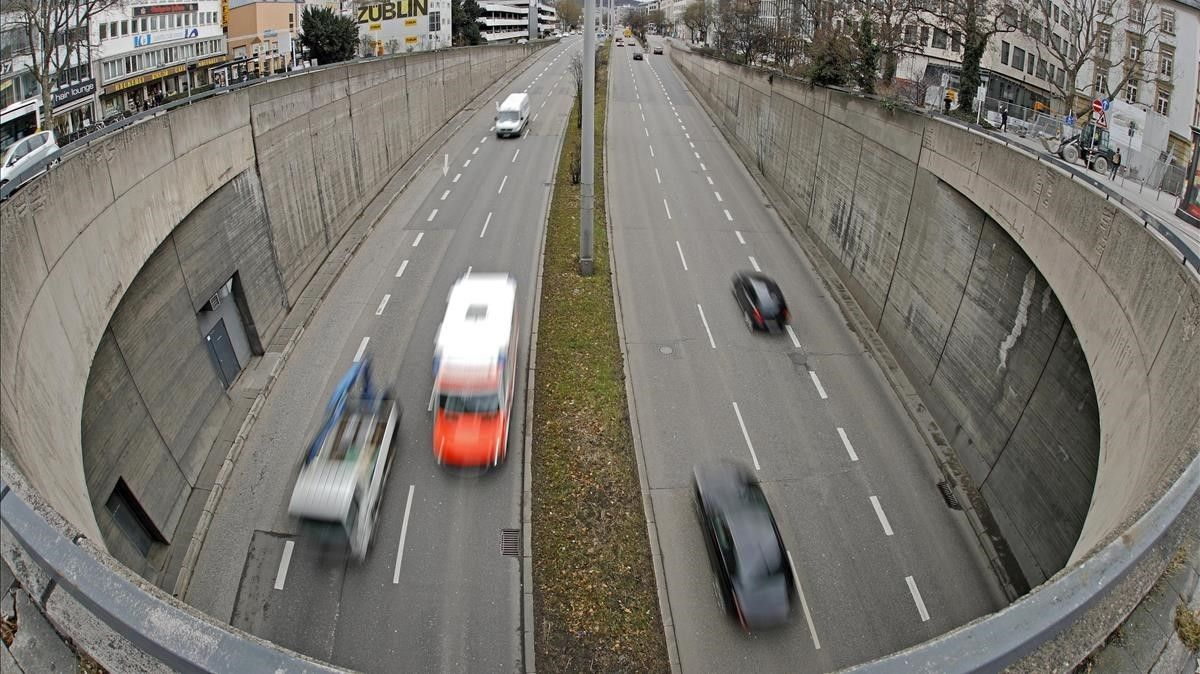 Tráfico en una vía rápida de Stuttgart.