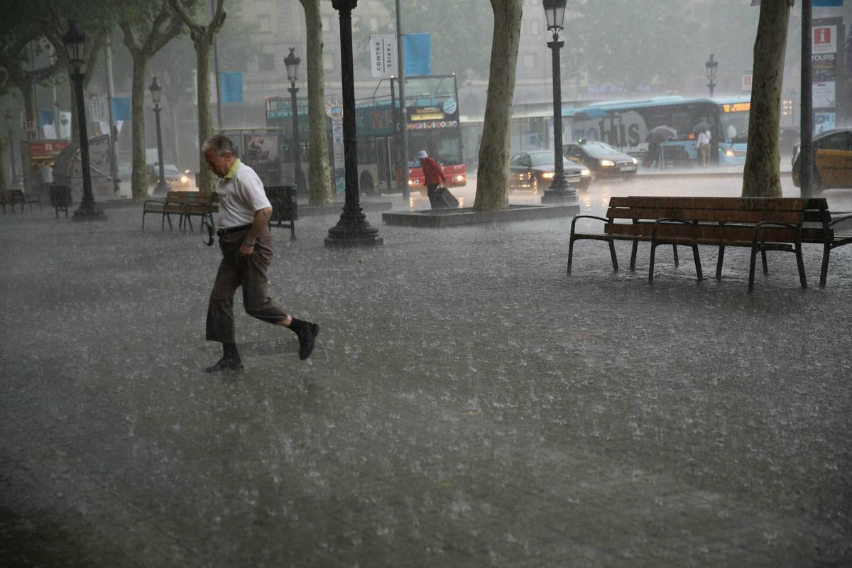 Avís per intensitat de pluges a Catalunya per a aquest dissabte