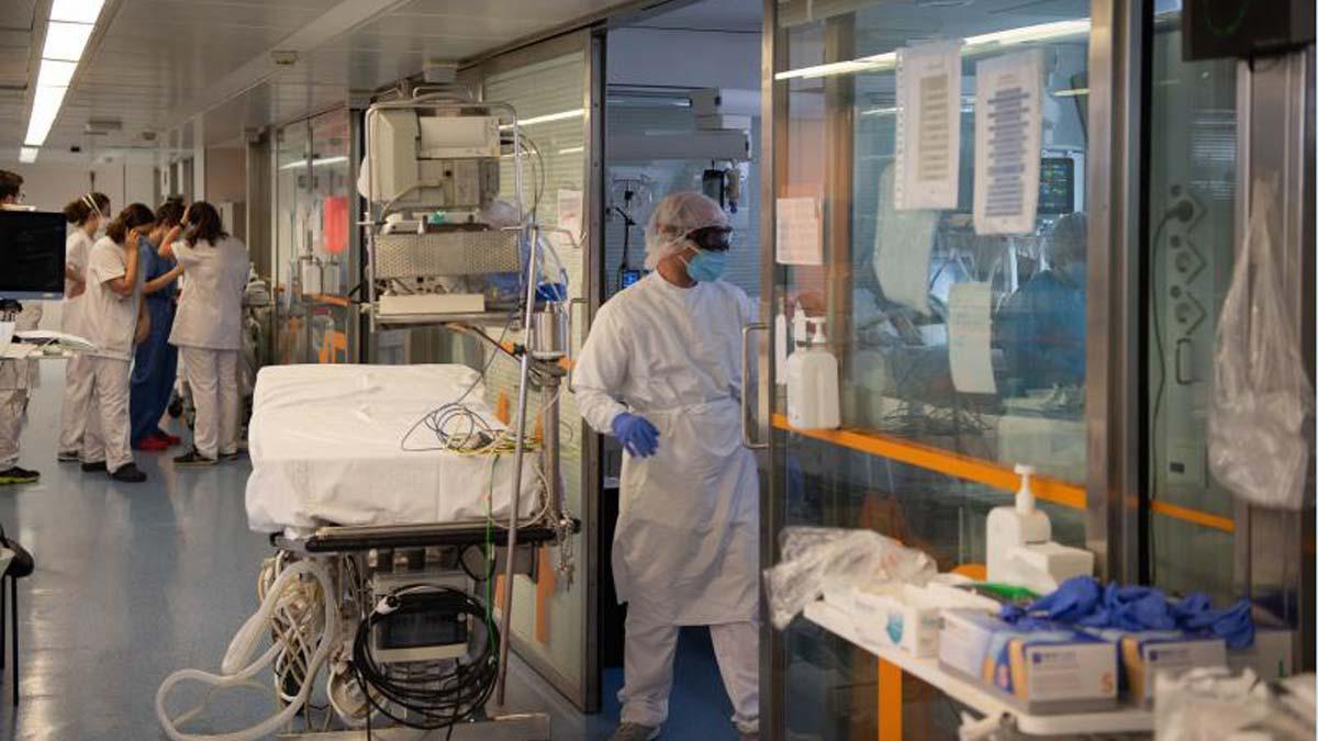 Área de cuidados intensivos para pacientes con covid del Hospítal Clínic de Barcelona.