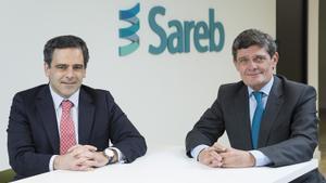 Javier García del Río, consejero delegado, y Jaime Echegoyen, presidente de la Sareb.