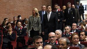 Annabel Marcos y Pere Soler, con Josep Lluís Trapero detrás, en la inauguración del curso académico.