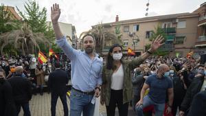 La candidata de Vox a la Presidencia de Madrid, Rocío Monasterio, y el líder nacional del partido, Santiago Abascal.