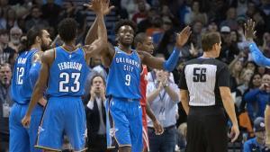 Los Thunder de Oklahoma City, vencieron con facilidad por 98-80 a los Rockets.